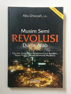 Buku Musim Semi Revolusi Dunia Arab