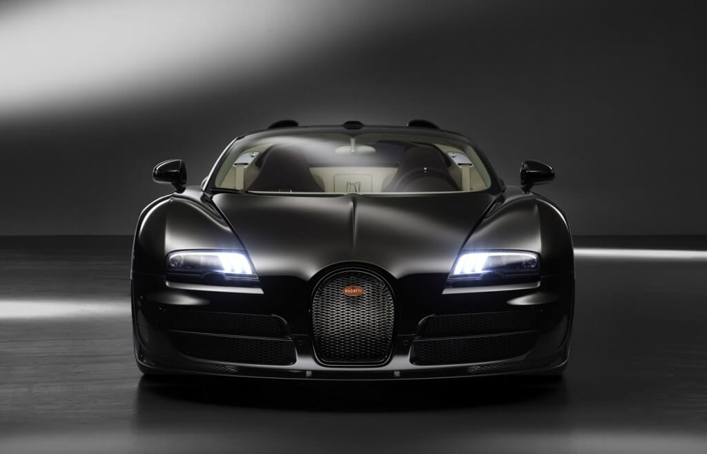 Merveilleux Only 8 Specialist Build The Massive Engine Of Bugatti Veyron,which Is  Absolutely Hand Made Engine.