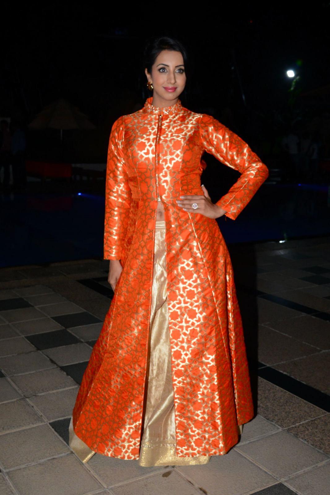 Sanjana sizzling and stylish photos gallery-HQ-Photo-12