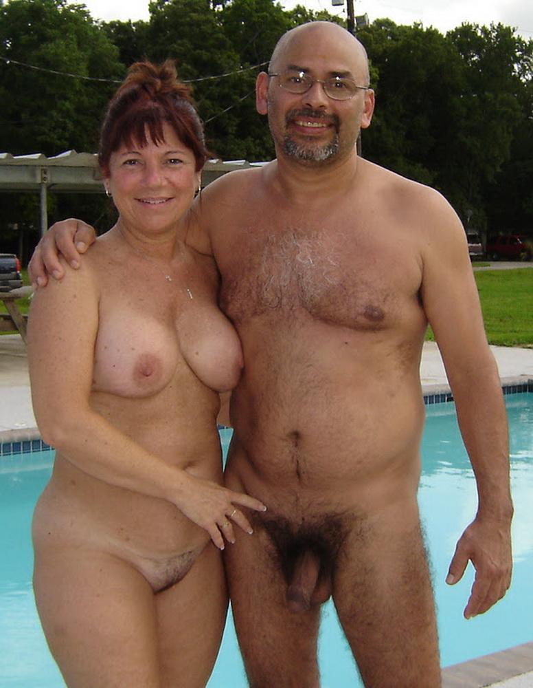 Видео голая женщина и мужик
