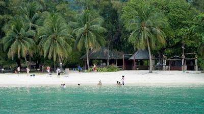 5 objek wisata paling menarik di indonesia