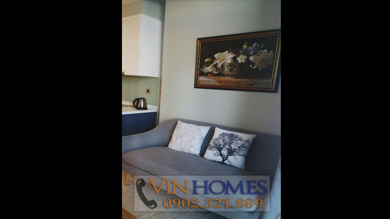 Cho thuê căn hộ Vinhomes Central Park C3 - ghế nệm gần bếp