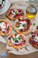 Pizzerki z papryką i oliwkami