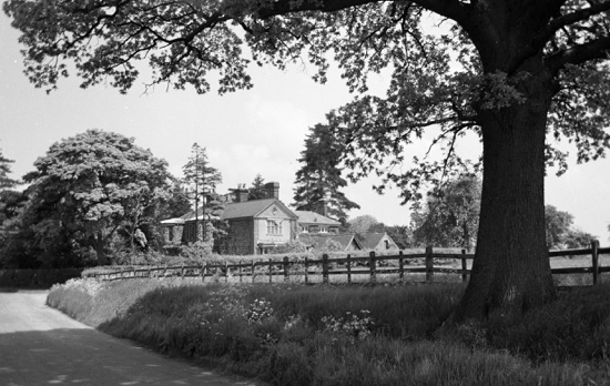 Photograph of Welham Manor in the 1950s. Image from K. King