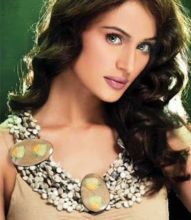 Mehreen SYED
