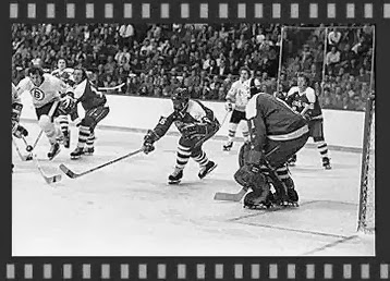 11/7/74:  Mike Marson reaches for  puck