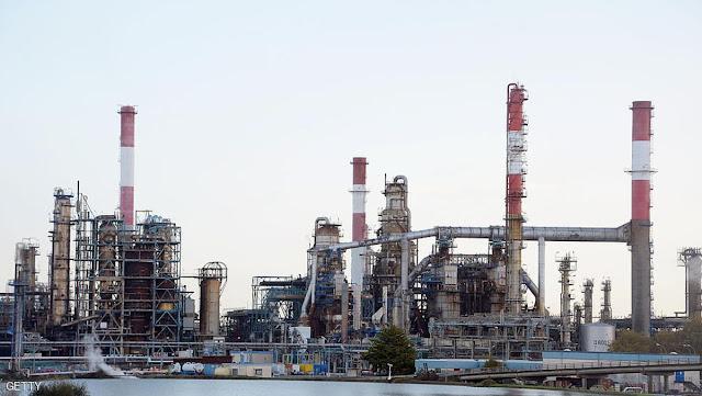 ارتفاع اسعار النفط  بسبب اعصار هارفي وارما
