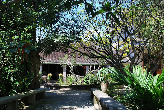 Discover ancient villages in central Vietnam 2