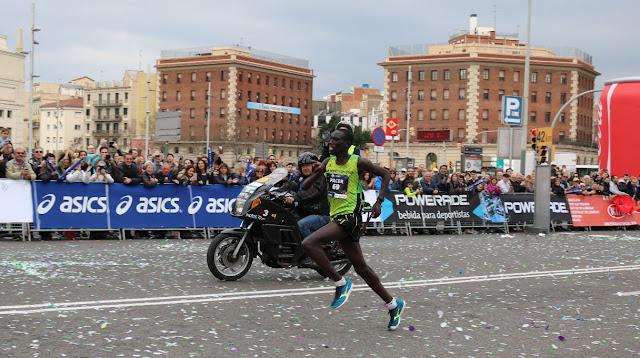 Jonah Kipkemoi Chesum vencedor de la Zurich Marató de Barcelona 2017