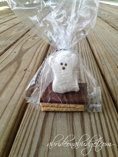 http://www.abrideonabudget.com/2014/11/spooky-smores-favors-only-101-each.html