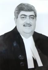 माननीय श्री नययमूर्ति संजय किशन कौल।  जन्म:-26 दिसंबर 1958