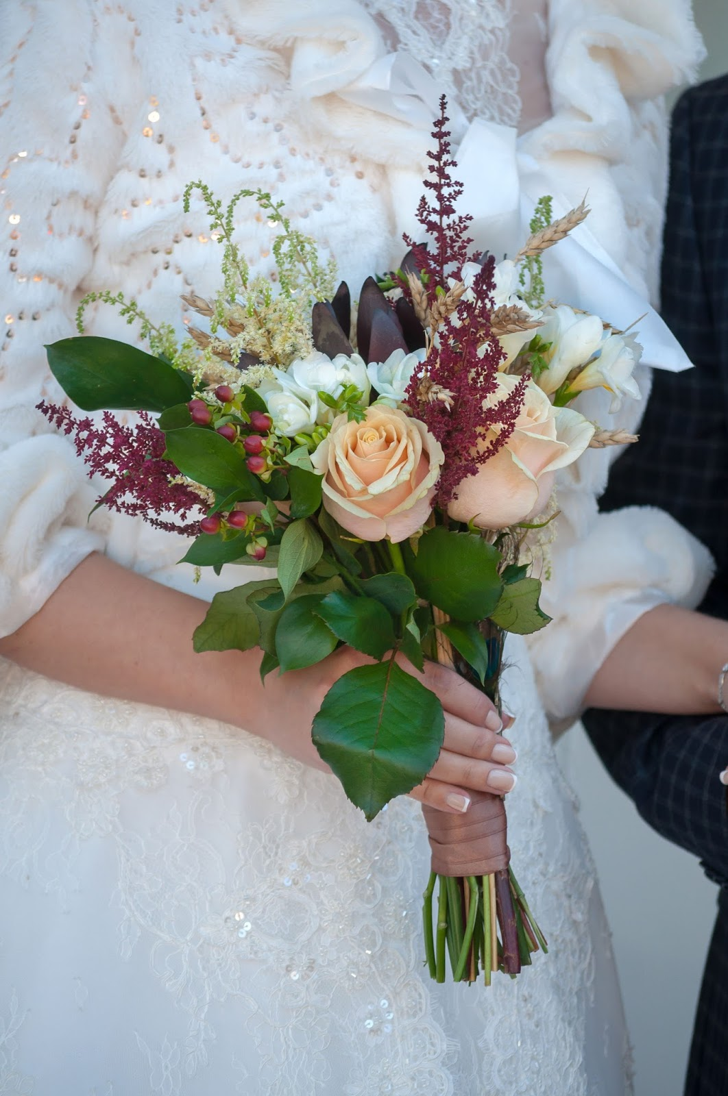 Rustic 4 weddings bride wedding day bouquet pictures for Wedding day decorations