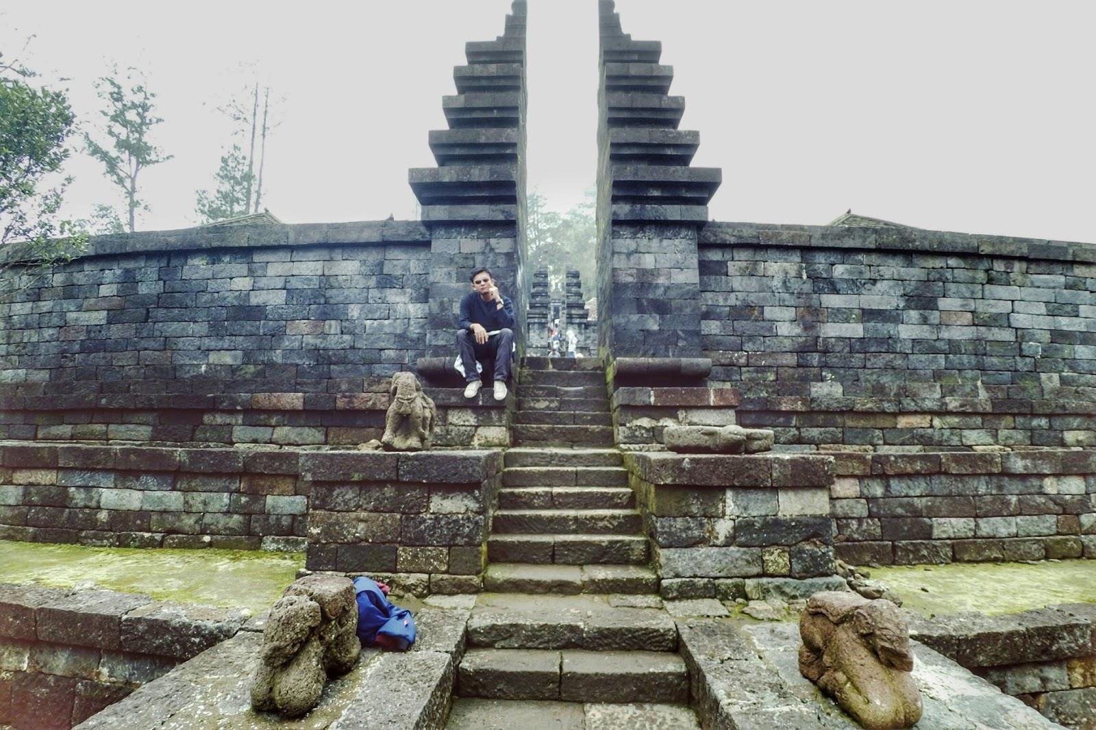Candi Cetho Lereng Gunung Lawu Perpaduan Apik Wisata Alam