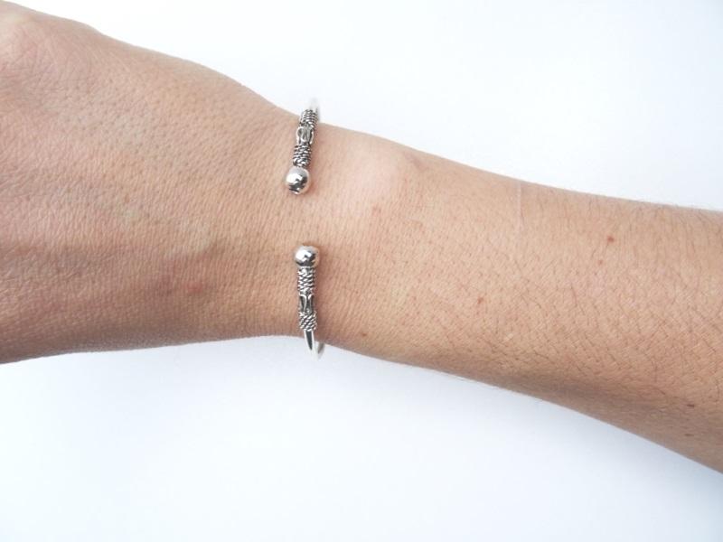 fantaisie original bijoux cherie edition limité métal argent cisellée de forme original et rare