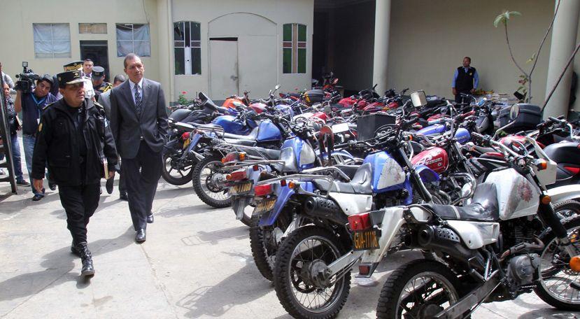 Polic a nacional civil de guatemala ministro de for Ministro de la policia nacional