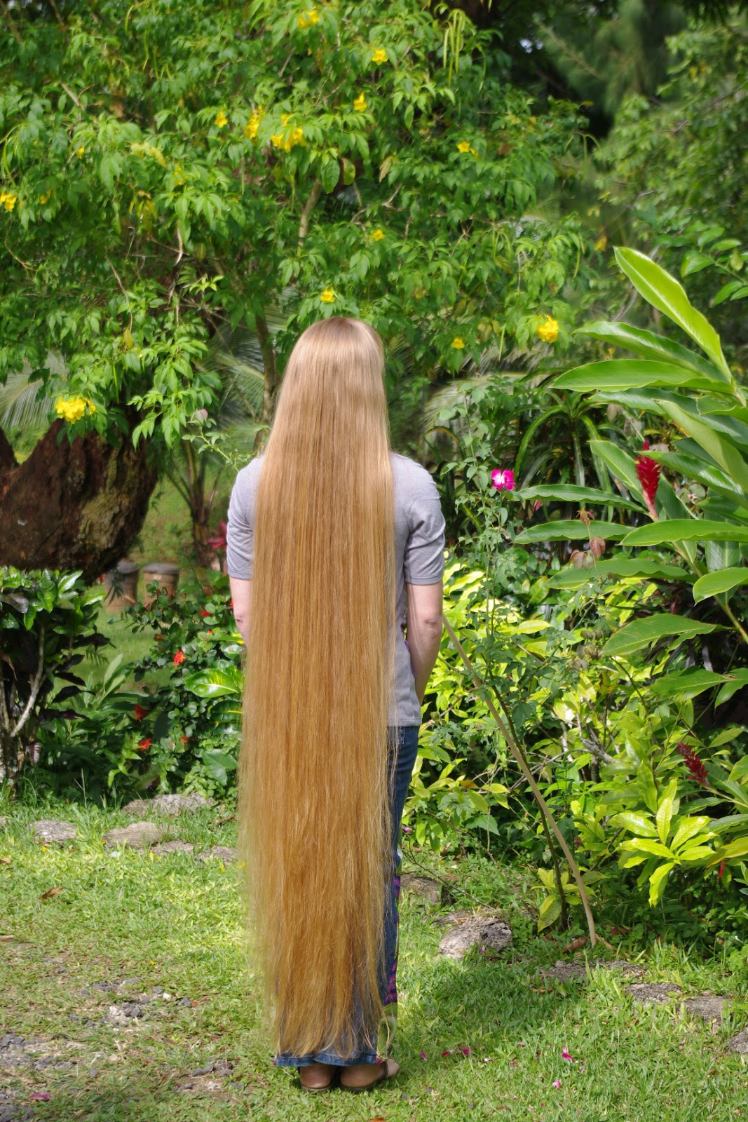 Braids & Hairstyles for Super Long Hair: Length Pictures ...