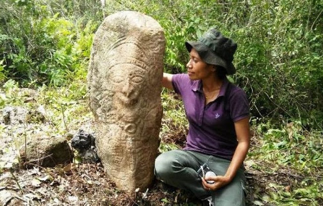 Megalithic statues discovered in Srobu site, Papua