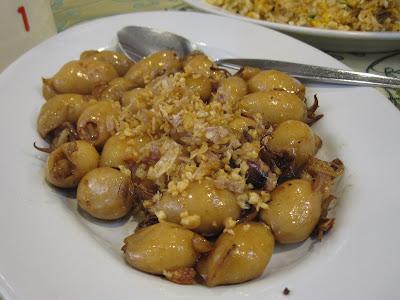 Bangkok, Chandrphen Restaurant, stuffed squids