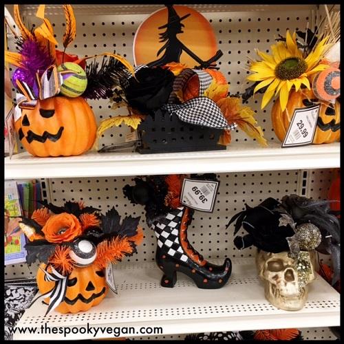creepy cute halloween arrangements - Halloween Michaels