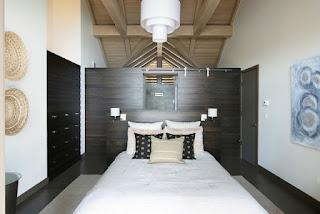 Habitación paredes de madera