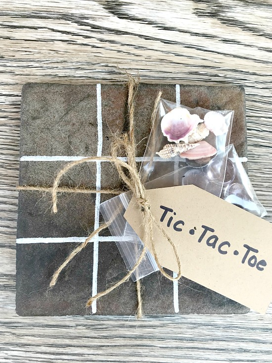 How to make an Easy Summer DIY Tic Tac Toe Game Gift