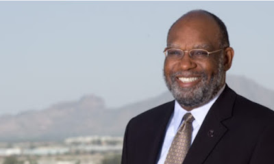 image of Dr. Glasper in front of Camelback Mountain