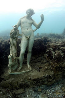 A submerged Roman statue at Baia