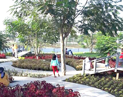 Mamanya Rakha Blogspot Taman Bunga Pilang Haurgeulis