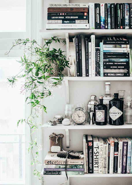 Library, jasmine plant,books :  At home With Johanna Bradford by Kristin Lagerqvist {Cool Chic Style Fashion}