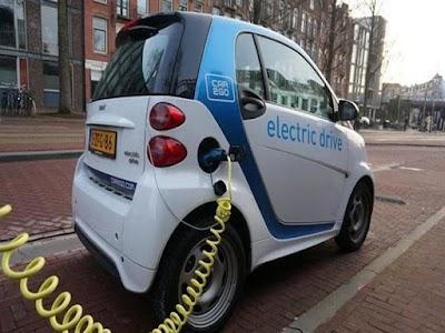 حظر السيارات التي تعمل بالبنزين والديزل في أمستردام ، محطات شحن مجانية في 2030