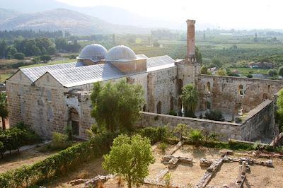 Arsitektur Indah Di Masjid Isa Bey Izmir Turki