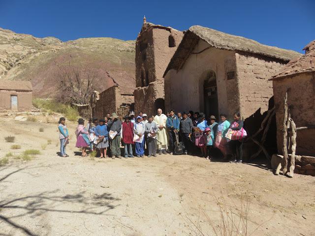 Gruppenbild nach dem Gottesdienst in Cienega Bolivien