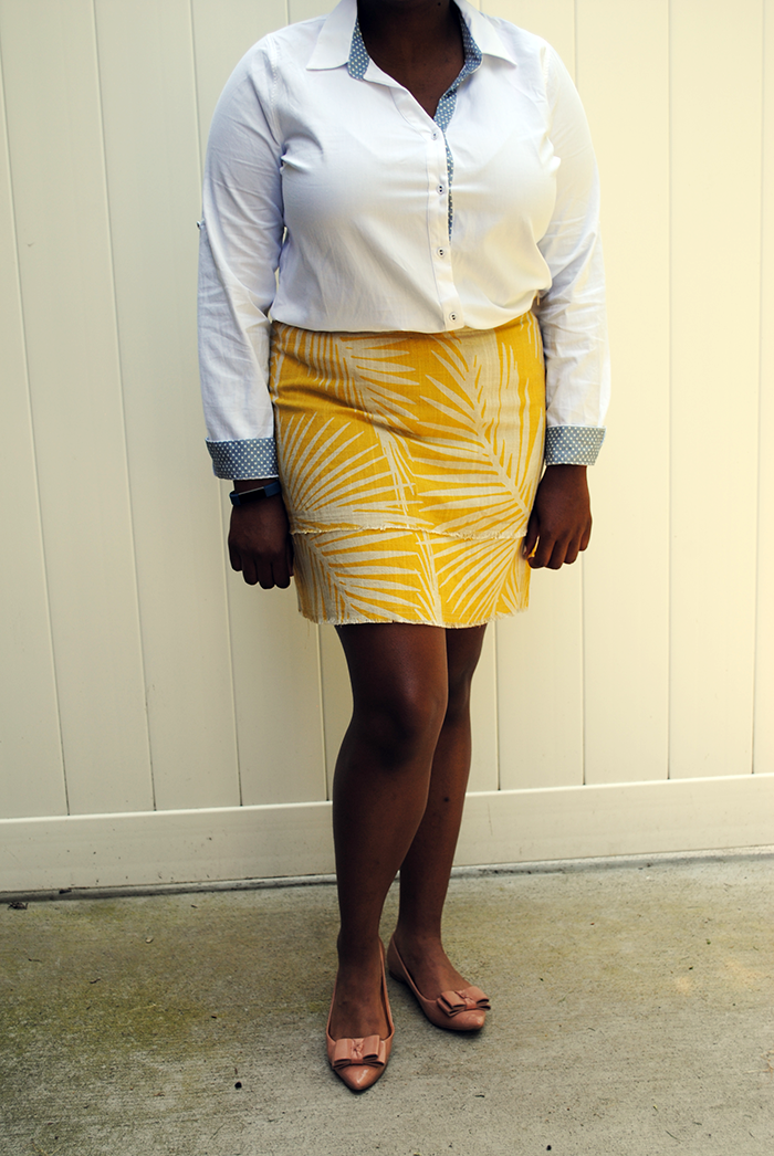 A review of my second Stitch Fix clothing subscription featuring the Skies are Blue Garrick Button Down top and Market & Spruce Bobbie printed skirt.