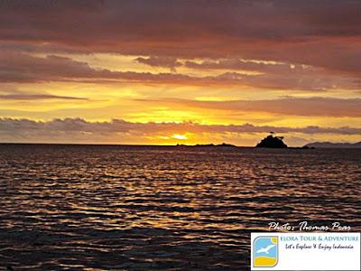 Serunya Hunting Sunset di Teluk Kiluan eloratour