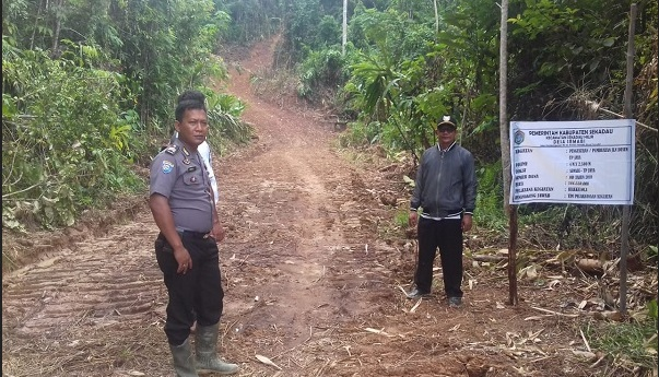 Monitoring dan Pengawasan DD Desa Semabi Oleh Bhabinkamtibmas Bersama Pemerintah Kecamatan