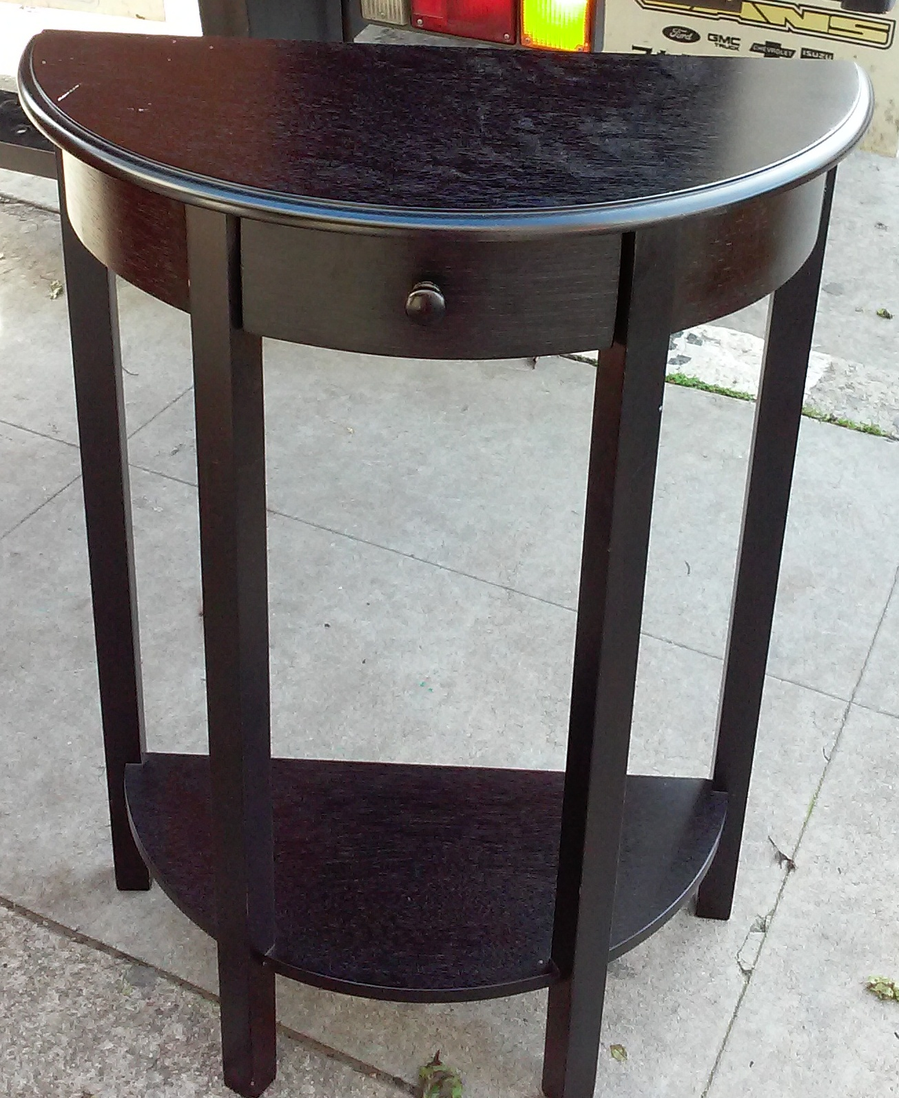 uhuru furniture collectibles sold 32 tall half moon accent table 50. Black Bedroom Furniture Sets. Home Design Ideas