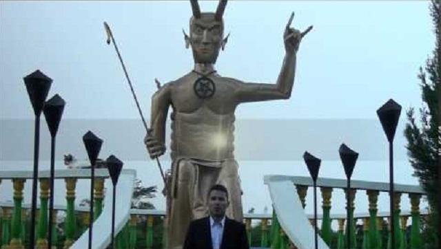 Foto Profil Victor Damian Rozo Pemilik Gereja Lucifer Hebohkan Jagat Maya