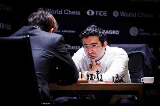 L'image clé de la ronde 9 : Rien ne va plus pour Kramnik bon dernier avec 3,5 points sur 9 (+2, =3, -4) - Photo © World Chess