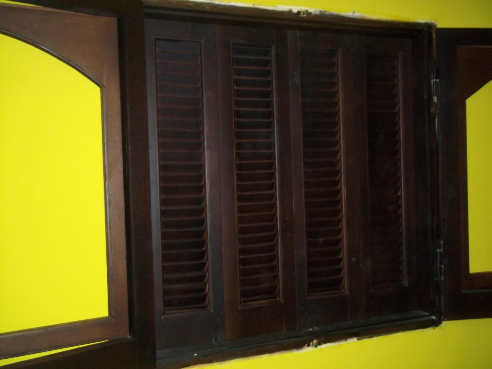 الشركة العربية الايطالية للاثاث والابواب منتجات الابواب الخشبية