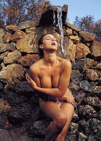 Hot girls Monica Bellucci nude Italian model & actress