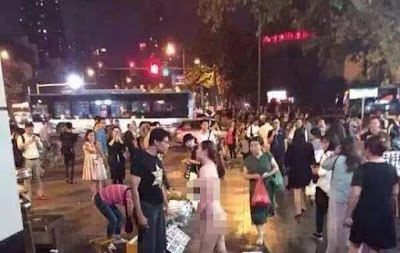 Aksi Paling Gila Orang Stress Yang Dilakukan Di Jalanan