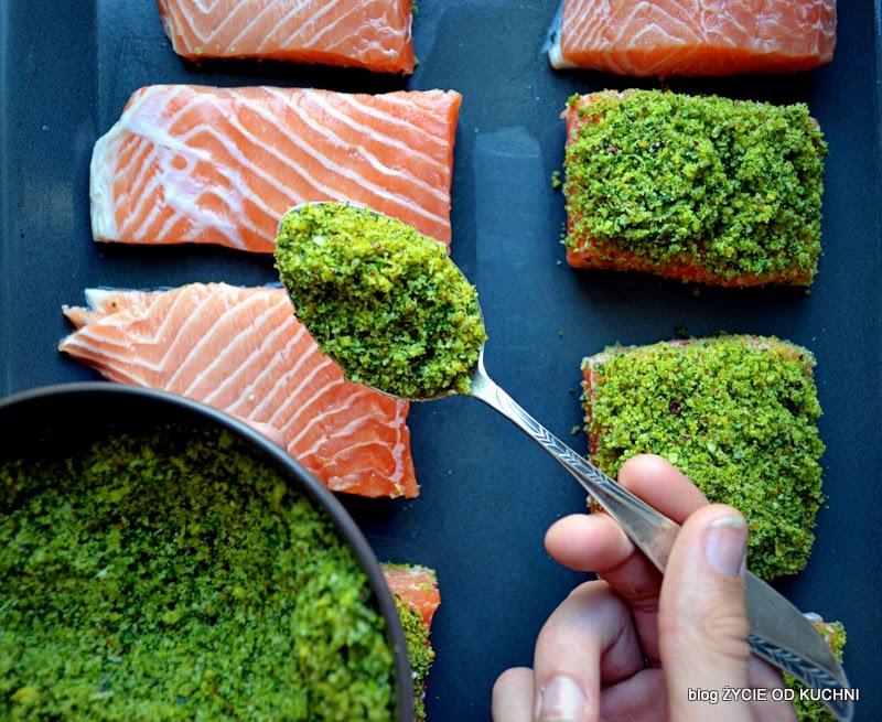 pazdziernik sezonowe owoce pazdziernik sezonowe warzywa, sezonowa kuchnia, pazdziernik, zycie od kuchni, ryba pad kruszonka, zielona kruszonka, ziolowa kruszonka,