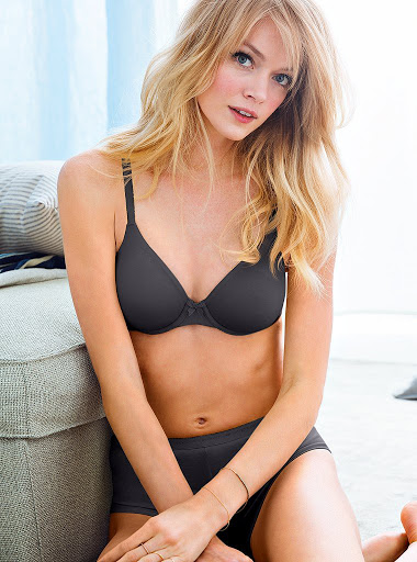 Lindsay Ellingson model Victoria's Secret lingerie photo