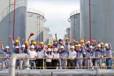 Lowongan Kerja Jobs : Satpam, Operator Forklift, Account Officer/Sales Executive Min SMA SMK D3 S1 PT AKR Corporindo Tbk Membutuhkan Tenaga Baru Besar-Besaran Seluruh Indonesia