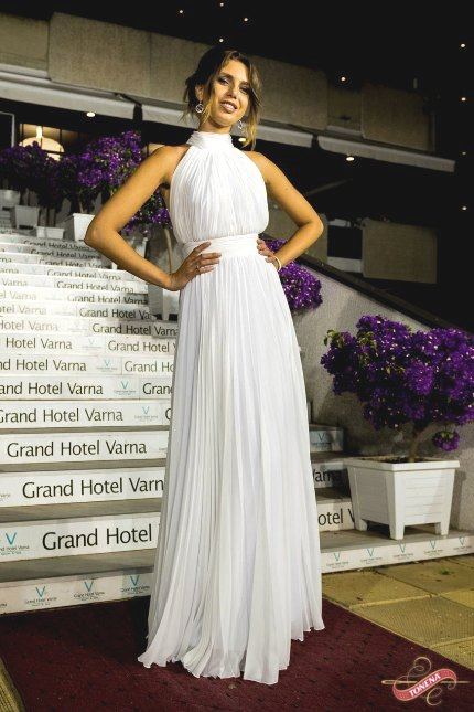 2017 Long High-Neck White Ruched Chiffon Elegant Prom Dress–Price US $99