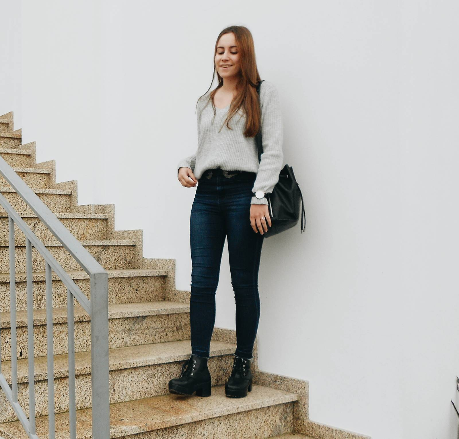 outfit grey sweater and chunky boots