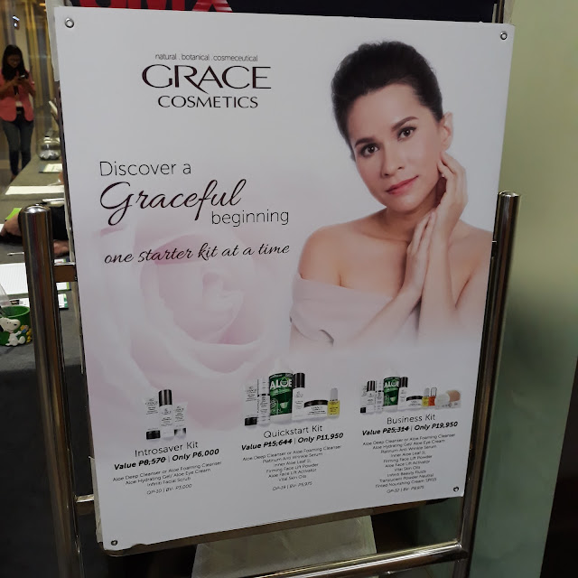 February 8, 2018, was Grace Cosmetics' Wealth Attraction event at the SM AURA PREMIER - SMX CONVENTION CENTER. It allows guests to optimise their wealth and beauty as they enter the 2018 Year of the Dog with strategies and plans. I was lucky to be their FB winner and got to attend this event for free.