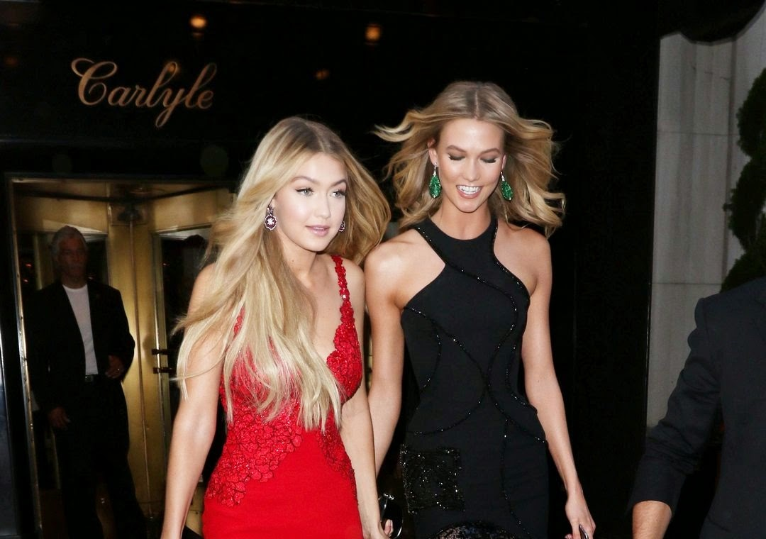 Gigi Hadid and Karlie Kloss arrive arm in arm at the 2015 Met Gala