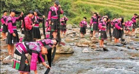 Desa Penduduk Wanita Berambut Panjang