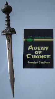 Portada del libro Agent of Change, de Sharon Lee y Steve Miller
